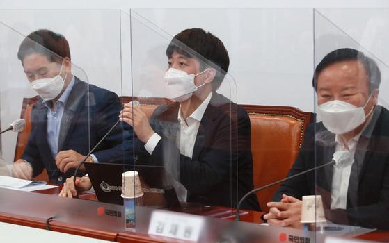 이준석 국민의힘 대표가 22일 오전 서울 여의도 국회에서 열린 최고위원회의에서 모두발언을 하고 있다. 임현동 기자