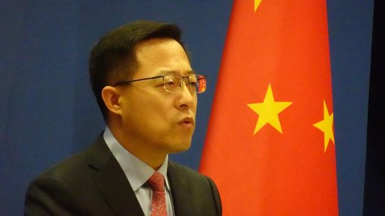20일 자오리젠 중국 외교부 대변인이 정례 브리핑에서 발언하고 있다. 사진=신경진 기자