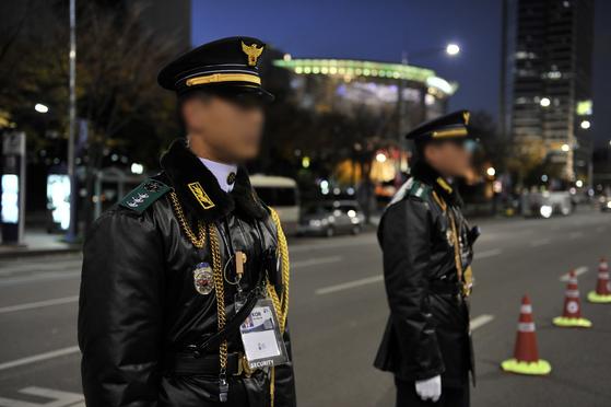 경계 근무 중인 101경비단. 사진 경찰청