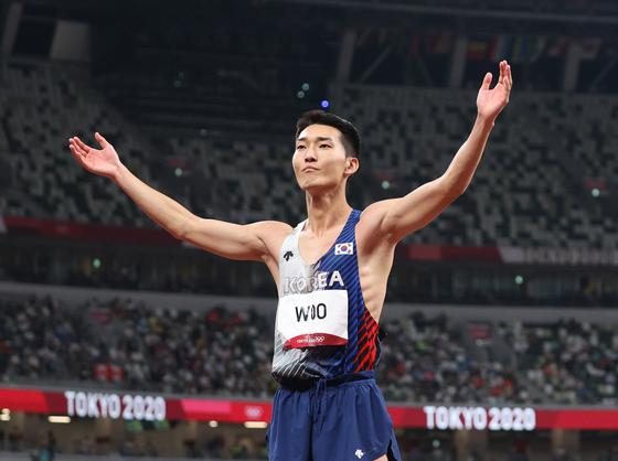 높이뛰기 한국기록을 세우며 역대 최고 순위에 오른 우상혁. [올림픽사진공동취재단]