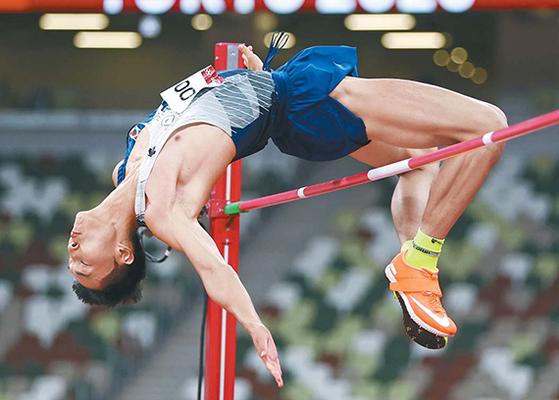 우상혁 높이뛰기 2m35  한국 육상 새 희망이 솟았다