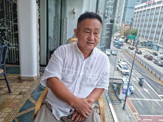 서울 종로구 관철동 건물에 '쥴리 벽화'를 그린 당사자 여정원(58)씨를 30일 오후 종로구 한 카페에서 만났다. 김지혜 기자