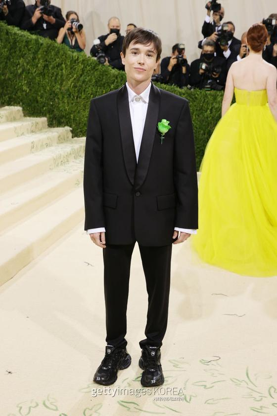 NEW YORK, NEW YORK - SEPTEMBER 13: Elliot Page attends The 2021 Met Gala Celebrating In America: A Lexicon Of Fashion at Metropolitan Museum of Art on September 13, 2021 in New York City. (Photo by Mike Coppola/Getty Images)