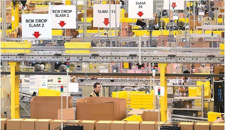 아마존이 하루에 처리하는 주문은 300만 건에 이른다. 로봇 등 물류 자동화 시스템을 갖춰 배송 부담이 작다. [중앙포토]