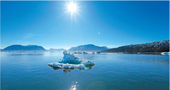 그린란드 누크 부근의 피요르드. 기후변화로 그린란드의 빙하 녹는 속도가 빨라지고 있다. [중앙포토]