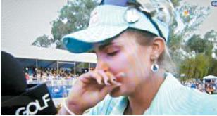 ANA 인스피레이션에서 4벌타를 받고 패한 톰슨이 눈물을 흘리고 있다. [중앙포토]