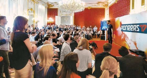 지난 1일 오스트리아 빈의 호프부르크 궁전에서 열린 스타트업 컨퍼런스 '파이오니어스 페스티벌'.