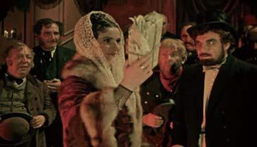 구소련 영화 '백치'(1958) 중 로고진이 가져온 10만 루블을 받아드는 나스타샤