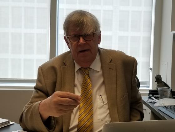 올리 하이노넨 전 국제원자력기구(IAEA) 사무차장이 지난 4일 워싱턴 민주주의수호재단 사무실에서 중앙일보와 인터뷰하고 있다.