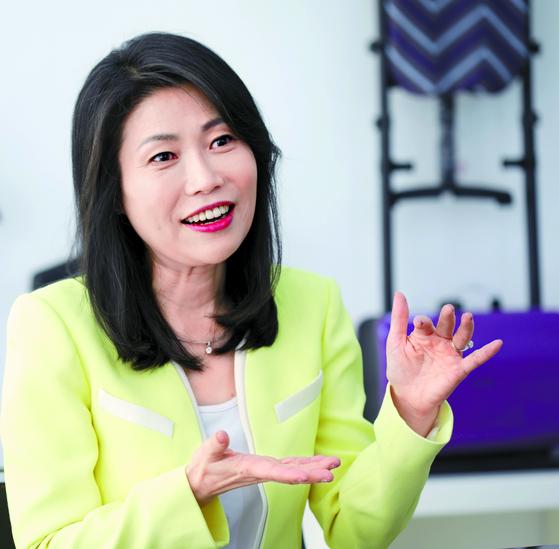"""한경희 대표는 '모든 사람에게 행복을 주는 제품과 서비스를 계속 만들어내는 게 꿈""""이라고 밝혔다. [김경빈 기자]"""