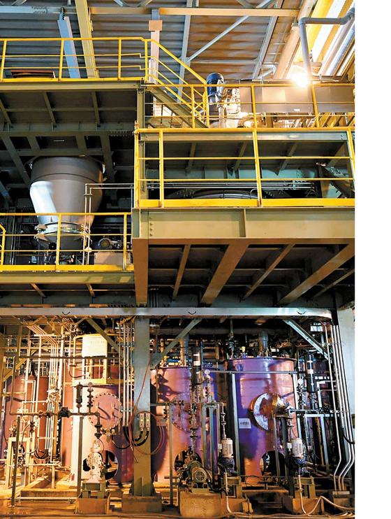 광양제철소 PosLX 수산화리튬 생산라인. PosLX는 포스코가 독자 개발한 리튬 추출 기술이다.