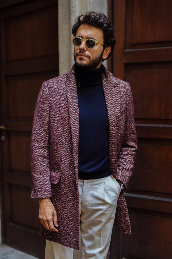 우중충한 색상의 롱패딩 일색인 거리에서 밝은 색상 코트는 점잖아 보이는 효과가 있다. [사진 쇼앤텔]