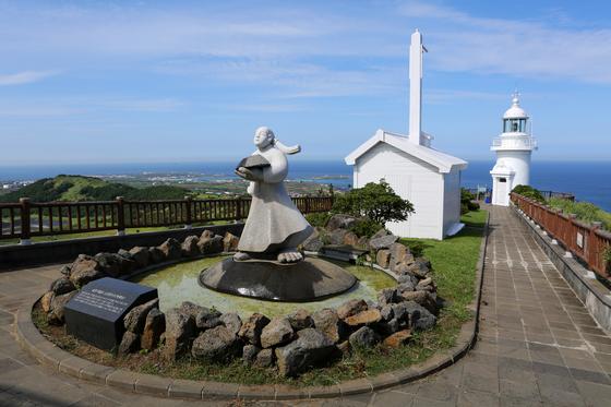 우도등대 주변에 등대 공원이 조성됐다. 손민호 기자