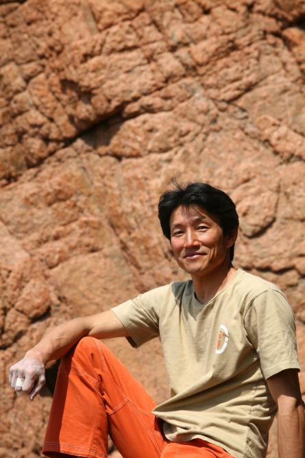 암벽등반 경력 40년의 윤길수씨는 '암장운동은 디테일'이라고 강조했다. 사진 윤길수