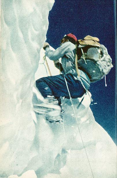 리오넬 테레이가 1950년 5월 안나푸르나에서 등반에 나서고 있다. [중앙포토]