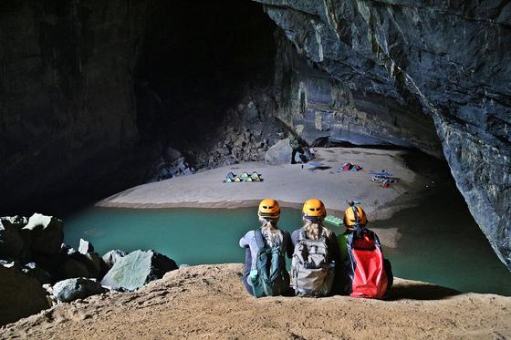 유네스코 세계자연유산에 등재된 퐁나께방 국립공원은 동굴 트레킹의 성지로 꼽힌다. 세계 3번째로 큰 항은 동굴을 탐험하고 동굴에서 캠핑 체험도 할 수 있다. 양보라 기자