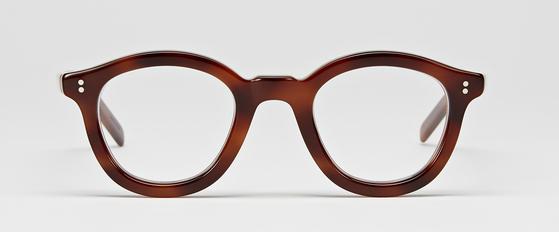 오리지널 프랑스 빈티지 라인의 아름다움을 재현한 '프레임 몬나타'의 안경. 빈티지 안경 매니어 최영훈 대표가 직접 만들었다. [사진 프레임 몬타나]