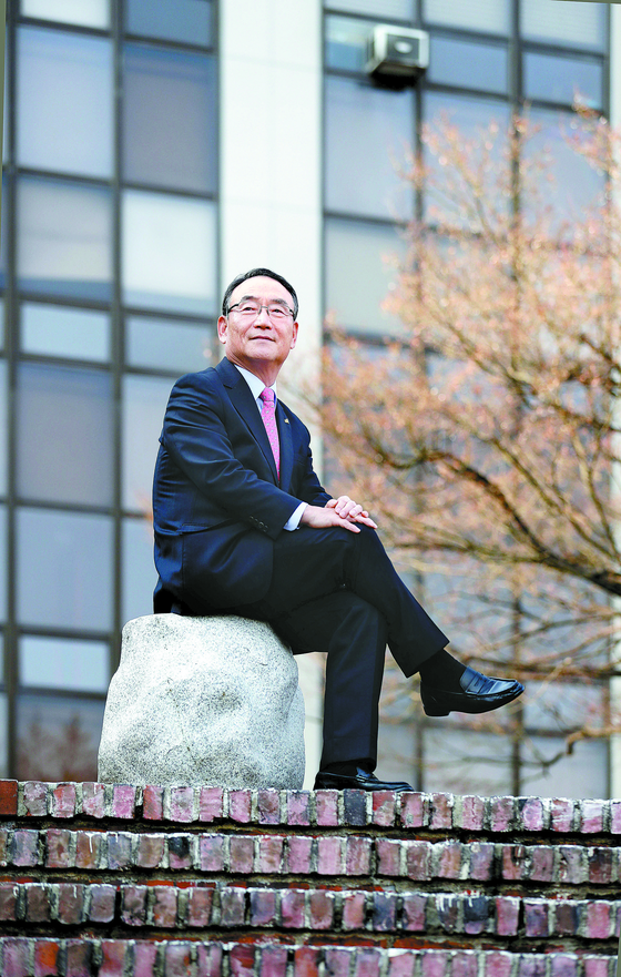 """김인규 총장은 5일 ' 경기대를 글로벌 인재 양성 대학으로 바꿔나가겠다""""고 밝혔다. [신인섭 기자]"""