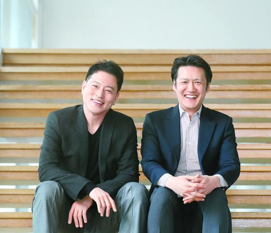 조재혁(오른쪽)과 송영훈이 함께하는 '댄스 인투 더 뮤직'은 29일부터 31일까지 서울 역삼동 LG아트센터에서 공연한다. [신인섭 기자]