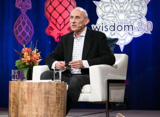 미국의 저명한 명상가 잭 콘필드(심리학 박사)가 지난 3월 1일 미국 샌프란시스코에서 열린 '위즈덤(Wisdom) 2.0' 행사에서 강연하고 있다. 10년 전 이 행사가 출범할 때부터 명상 교사로 참여해왔다. '마음챙김 명상'이 미국의 많은 기업과 학교에서 실행되고 있다고 한다. [배영대 기자]