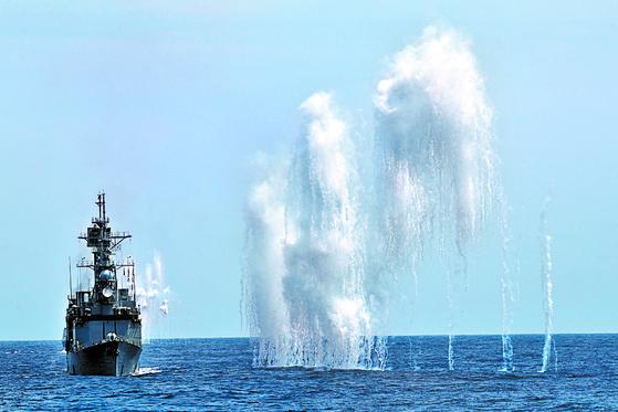 대만 해군이 지난 22일 화리엔 인근 해상에서 군사훈련을 하고 있다. [로이터=연합뉴스]