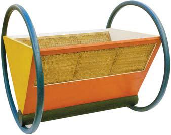 바우하우스 학생이었던 페터 켈러의 1922년 작품 '요람'. 노랑·빨강·파랑의 3가지 색깔을 다양한 형태와 연결 짓는 것을 '바우하우스 스타일'이라 부른다. [사진 윤광준]
