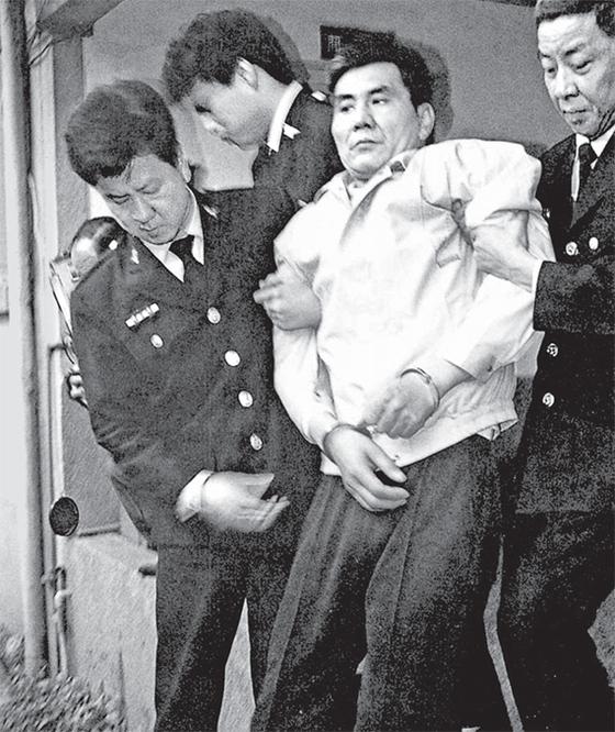 쭤창런은 도박과 투기로 보상금을 탕진하자 병원 부원장 아들을 유괴, 살해했다. 1997년 사형선고를 받았다. 집행은 민진당 집권 초기인 2000년에 했다. [사진 김명호]