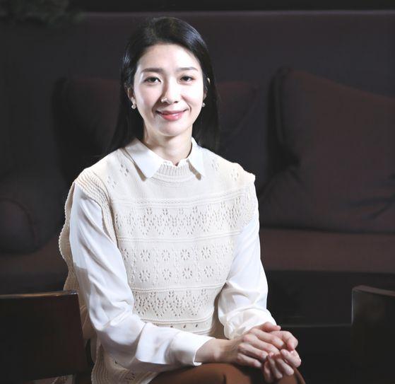 뮤지컬 '여명의 눈동자'에서 위안부 윤여옥 역 배우 김지현씨가 포즈를 취하고 있다. 김경빈 기자