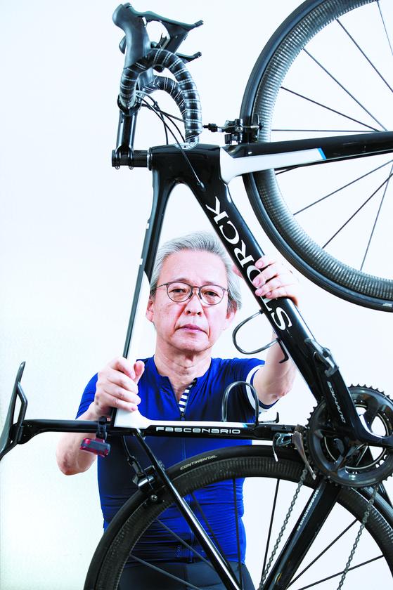 """노만희 원장은 '사이클은 자신감과 건강을 유지하는 원동력이다""""고 말했다. 김현동 기자"""