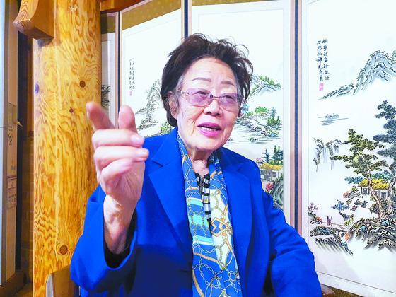 이용수(92) 할머니가 지난 13일 대구에서 월간중앙과 인터뷰하는 모습. 문상덕 기자