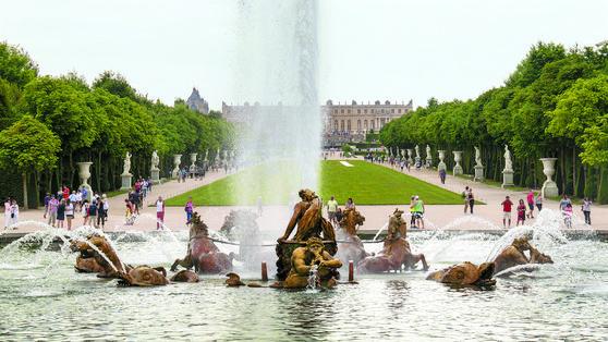 '원근법적 시선'을 극적으로 구체화해 만들어낸 프랑스 루이 14세의 베르사유 궁전. [사진 윤광준]