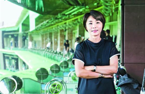 김미현 프로가 인천 논현동에 있는 김미현골프월드에서 편안한 표정으로 포즈를 취했다. 김경빈 기자