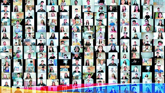 SGI 소속 청년들이 세계청년부총회를 앞두고 온라인 합창을 연습하고 있다. [사진 한국SGI]