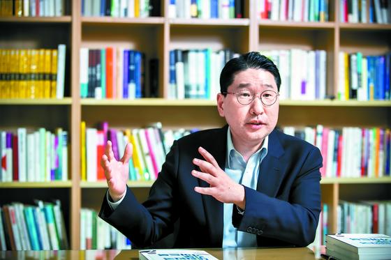 """이상현 대표는 '가족이 동참은 안 하더라도 나의 기부를 이해하고 공감하는 분위기가 있어야 한다""""고 말했다. 박종근 기자"""