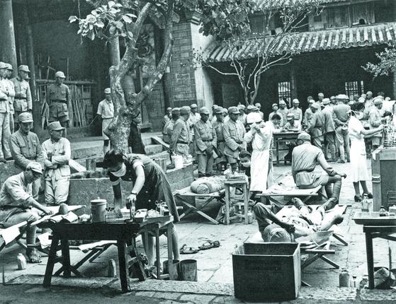 룽윈은 장제스의 항일을 적극 지지했다. 2000여 개의 사원에 야전병원을 설치했다. [사진 김명호]
