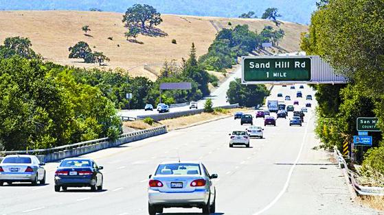 실리콘밸리 벤처캐피탈의 중심지가 된 샌드힐로드로 가는 길. [사진 서울대 데이터사이언스대학원]