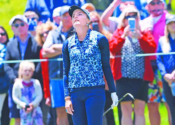 US여자오픈에서 역전패를 당한 렉시 톰슨은 지나간 실수를 잊지 못하고 다음 샷 결과를 미리 걱정하다 실수가 이어졌다. [AFP=연합뉴스]