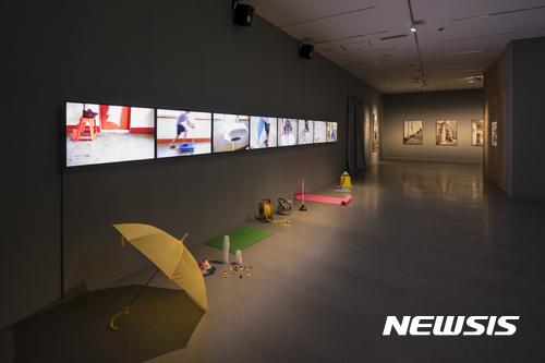 예술가들 역사를 몸으로 쓰다 국립현대미술관 과천관 중앙일보