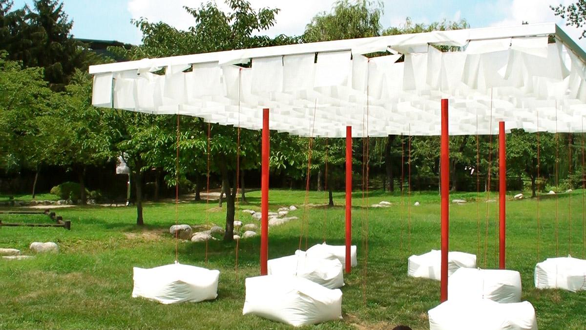 Movingscape. 의자에 앉은 관람객이 지형의 변화를 몸으로 체험할 수 있다.