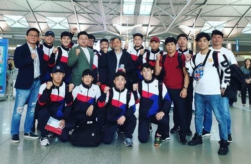 레슬링 대표팀 출국 모습