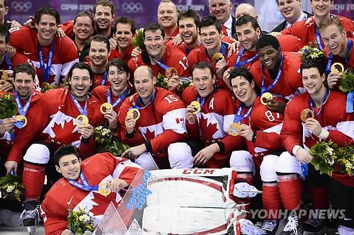 2014 소치동계올림픽에서 남자 아이스하키 금메달 차지한 캐나다 대표팀