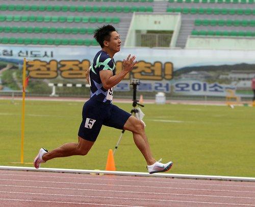 상무 시절 국내 대회에 출전한 김국영