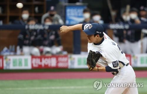 역투하는 NC 김진성